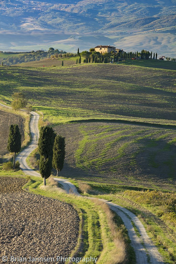 Tuscan Road, Italy. © Brian Jannsen Photography