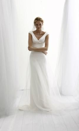 Le Spose Di Gio: buy this dress for a fraction of the salon price on PreOwnedWeddingDresses.com