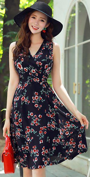 StyleOnme_Floral Print Wrap Style Sleeveless Flared Dress #floral #dress #summertrend #koreanfashion #kstyle #kfashion #feminine #elegant #datelook