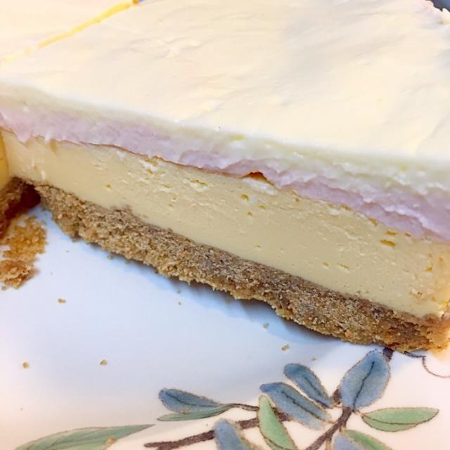一足遅い、ホワイトデーのお返しに作ってみましたよ〜 - 6件のもぐもぐ - 四層クリームチーズケーキ by hiroichi8