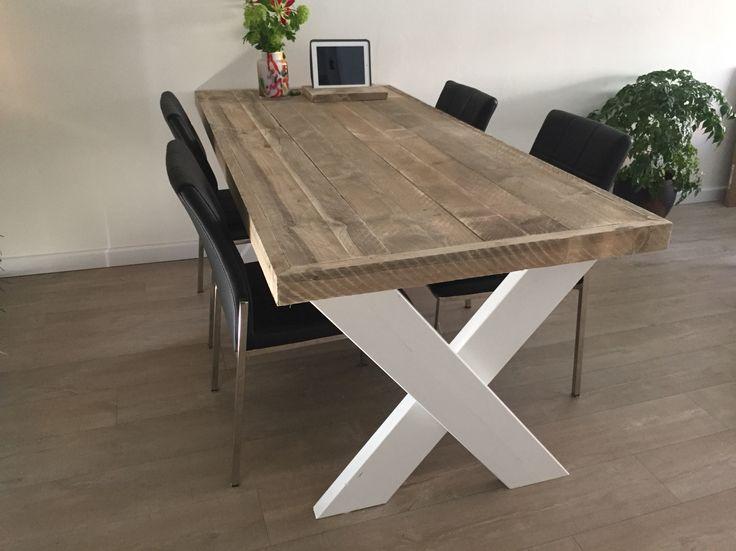 Landelijke stijl ❤️ kruispoot tafel Luxesteigermeubel.nl