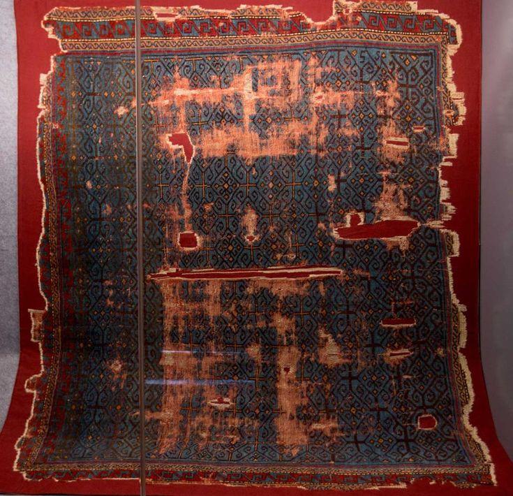 OTTOMAN CARPETS IN THE XVI - XVII CENTURIES (16-17TH CENTURIES)  Anatolian carpet in a blue ground, Vakiflar Museum, Istanbul