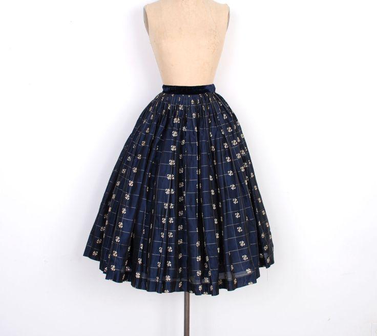 Vintage jaren 1950 rok / 50s Organza geborduurd partij rok / marineblauw (XS S)  Fantastische jaren  50 ultra volledige partij rok in Marine