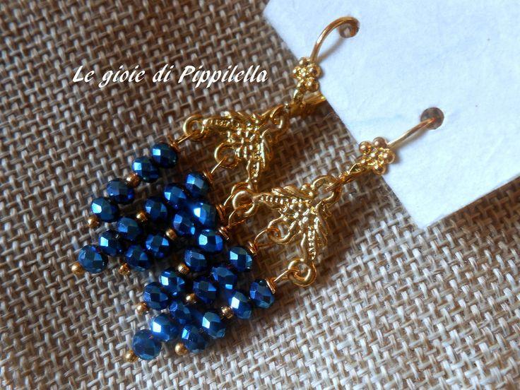 Orecchini pendenti dorati fatti a mano con cristalli blu, idea regalo., by Le gioie di  Pippilella, 9,00 € su misshobby.com