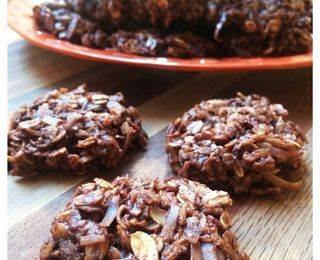No-Bake Chocolate Coconut Drop Cookies