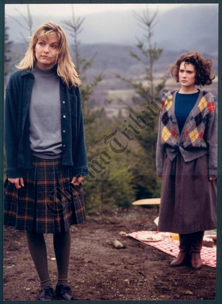 Laura Palmer & Donna Hayward, Twin Peaks, along with the Heathers girls, had such an impact on my teenage sartorial taste