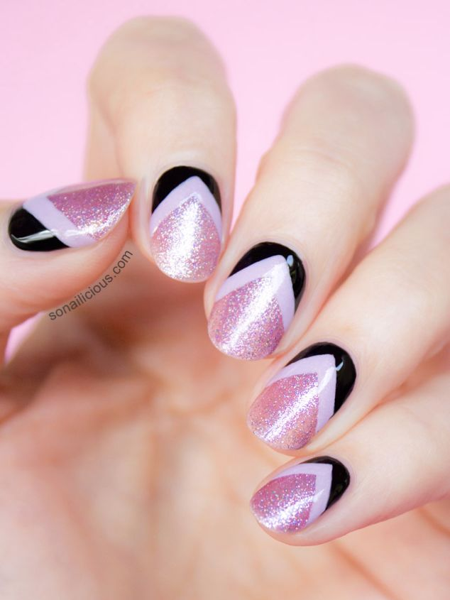 Reverse Chevron Nail Art http://www.ivillage.com/so-pretty-10-spring-nail-art-trends-try-right-now/5-a-562659