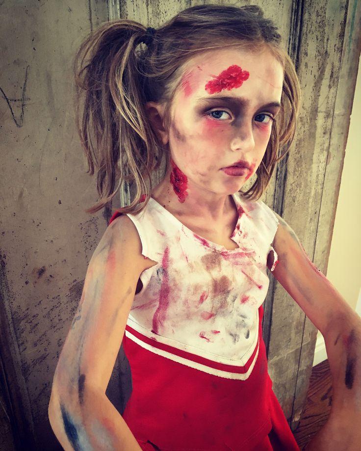 Zombie cheerleader makeup - DIY Halloween makeup