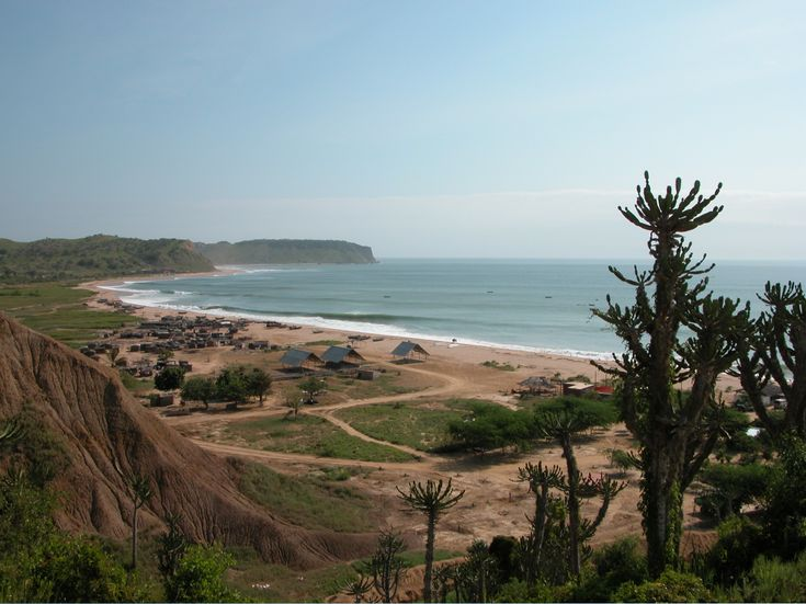 by ViajeMejor.com.  Angola