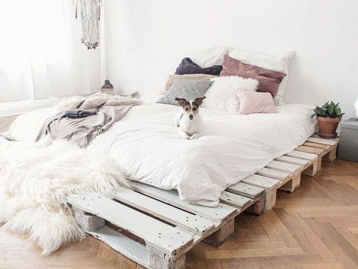 DIY-Anleitung: Einfaches Bett aus Paletten selber bauen via DaWanda.com – kiki