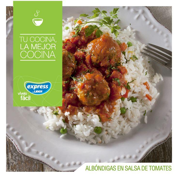 Albóndigas en salsa de tomates con arroz graneado con verduras #Receta #Recetario #RecetarioExpress #ExpressdeLider #Albóndigas