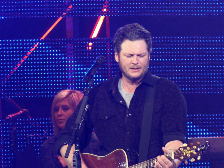 "Blake Shelton Wants Universal Records to Do Justice To""Voice"" Winner Sundance Head - http://www.gackhollywood.com/2016/12/blake-shelton-wants-universal-records-justice-tovoice-winner-sundance-head/"