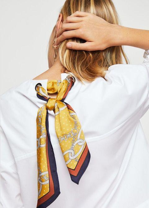 Блузка с платком с принтованными цепями