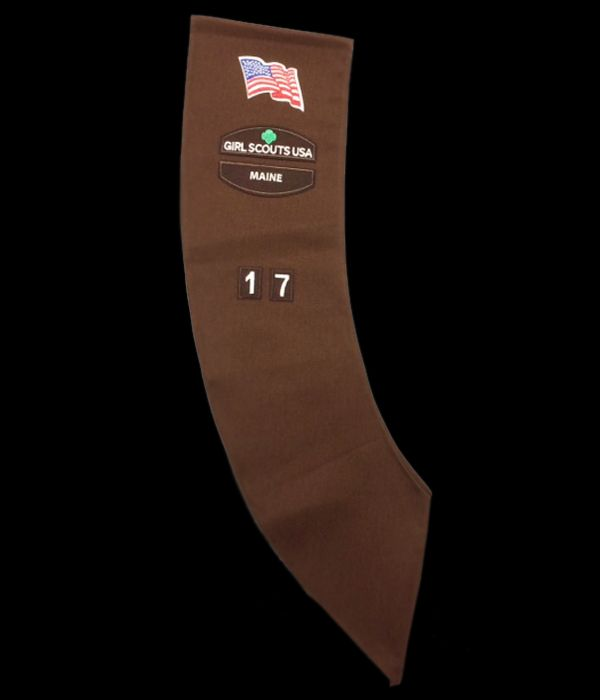 Uniform with basic insignia - Brownie Sash