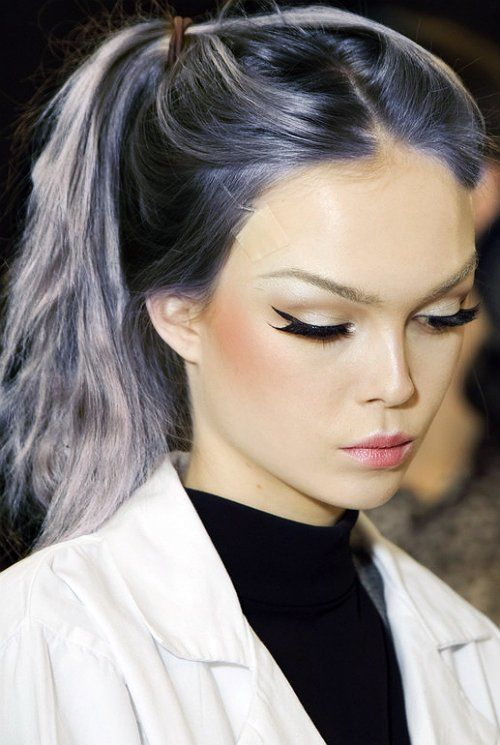 purple-grey hair + cat eye liner + light pink lips