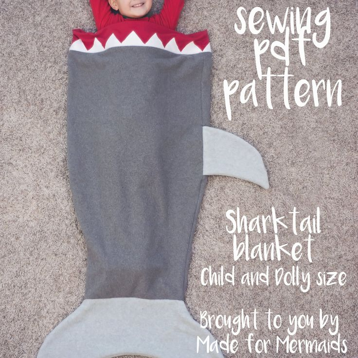 shark tail blanket: a boy's version o the little girls' mermaid tail     free #sewing #pattern & #tutorial