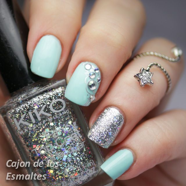 Uñas decoradas con piedras y glitter - China Glaze At Vase value Rhinestone nail art. Mint and silver