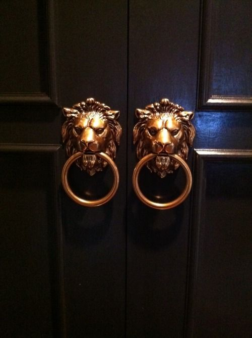 acespade:  exquisite-senses:  Private Party  Thanks to whoever for the idea of new door handles.