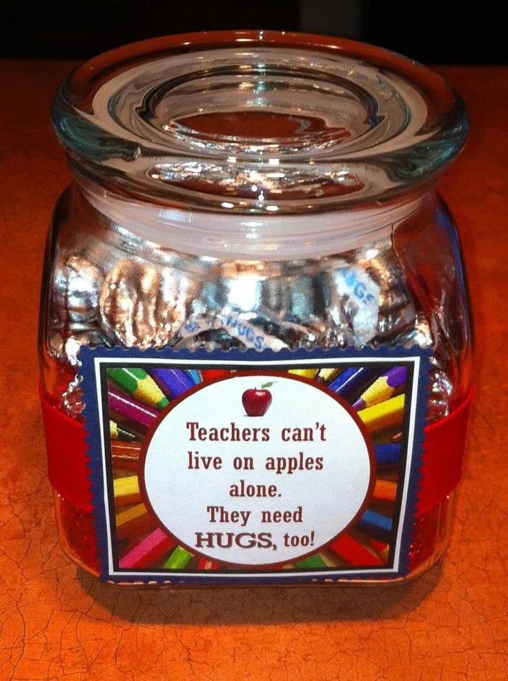 Back to school teacher gift: Glass jar filled with Hersey's Hugs