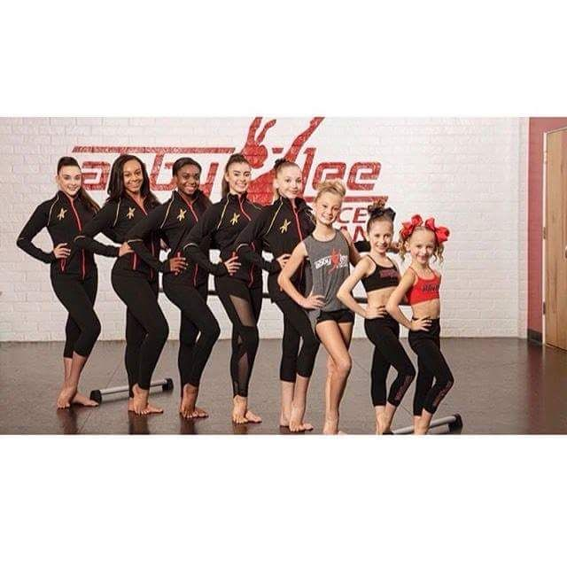 Season 7 of dance mom's the official team