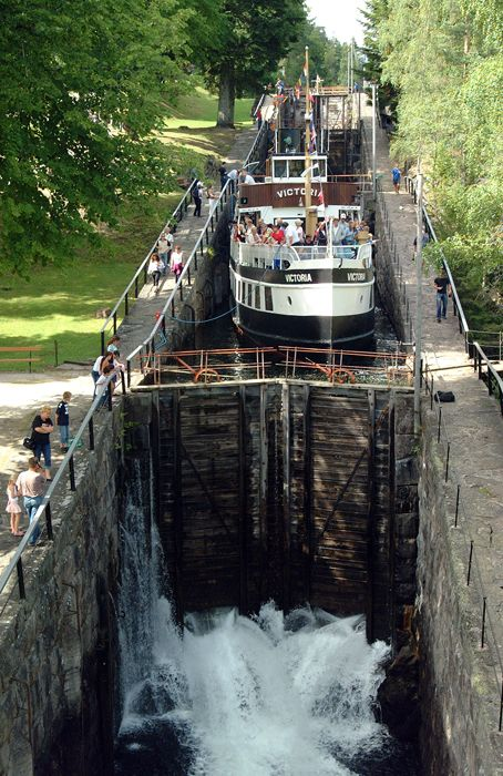 HOW AWESOME IS THIS - this boat is coming down the 23 meter steep canal. YOU HAVE TO TRY FOR YOURSELF!! Telemarkskanalen, Norway - they fill or empty the chambers with water in relation to the boat going up or down the canal. ..Stay cheap and comfortable on your stopover in Oslo: www.airbnb.com/rooms/1036219?guests=2&s=ja99 and www.airbnb.no/rooms/5042144?guests=2&s=7_eh