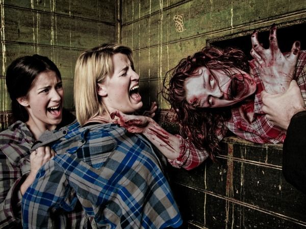 10 Things People Don't Do In Zombie Apocalypse Movies That You Should Do