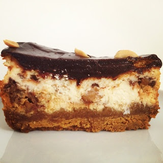 Edinburgh Eats: Baking Sunday: Snickers Cheesecake for the Domestic Sluts Pudding Club