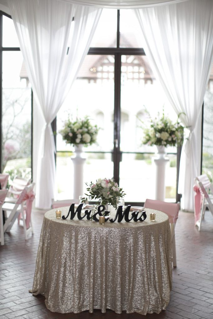 Best 25+ Sweetheart table ideas on Pinterest | Bridal ...