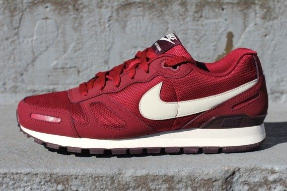 Nike Air Waffle - Red/Birch