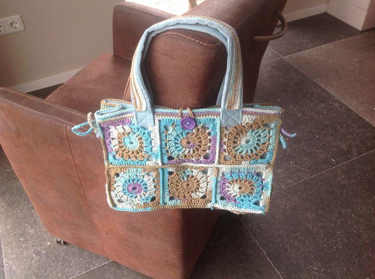 Crochet handbag. My own design, I used katia cotton.