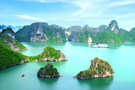 Virtually all boat tours leave from Bai Chay tourist dock in Halong City. Prices are officially regulated and depend upon the route, length of trip and class of boat.