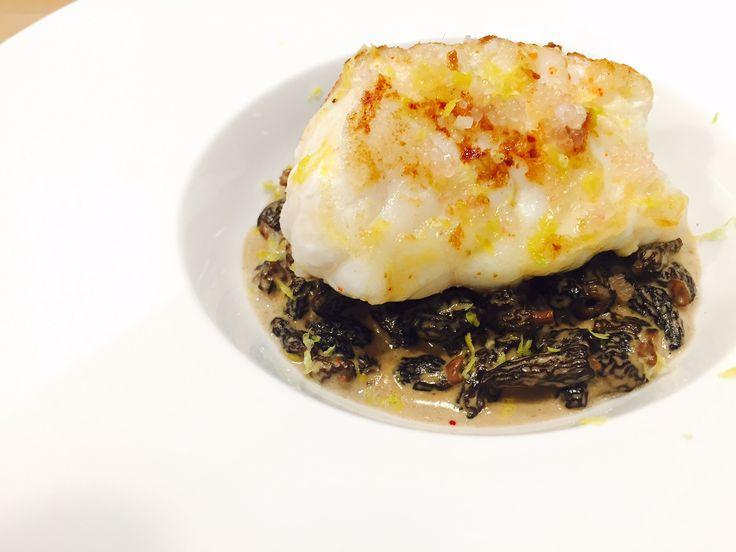 Régalez vos convives avec la lotte rôtie aux morilles, le plat idéal pour vos repas de fin d'année. Réveillon | Nouvel an | Noël | Repas de fête