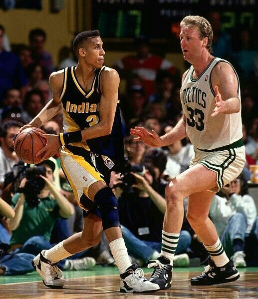 a comparison of michael jordan and larry bird Michael jordan says larry bird was biggest trash talker he ever played against.