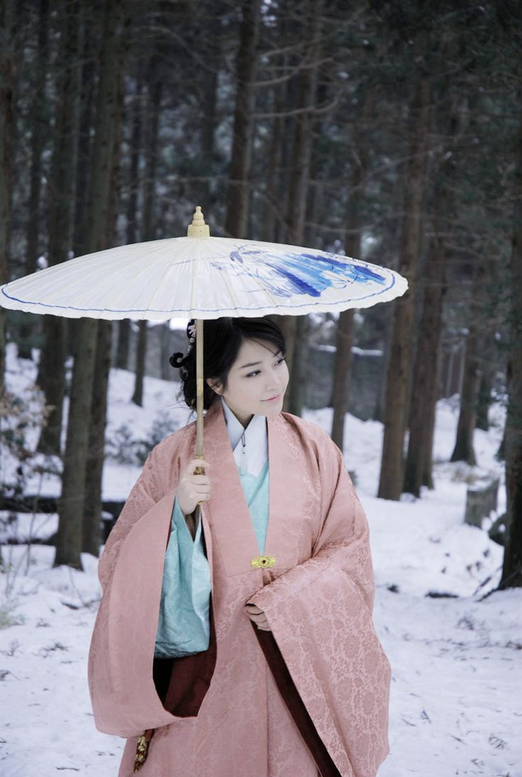"Hanfu (simplified Chinese: 汉服; traditional Chinese: 漢服; literally ""Han clothing""), also known as Hanzhuang (漢裝) or Huafu (華服), is the traditional dress of the Han Chinese people."