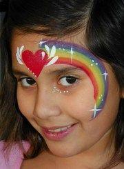 coracao-arco-iris-fantasia-de-ultima-hora_mais-de-50-ideias-para-pintura-facial-infantil