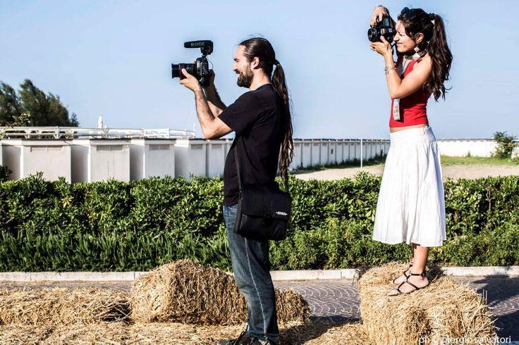 Il nostro fotografo Giorgio Salvatori #officinafotografica ritrae ad Al Meni i suoi colleghi all'opera, Marco Poderi e Giulia Gioacchini #marcopoderistudio