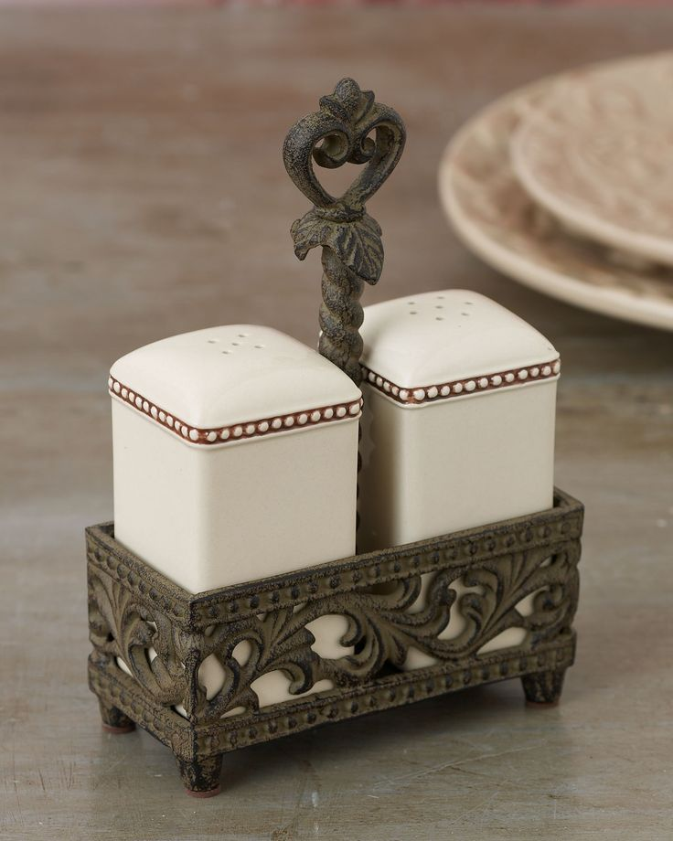 243 best images about salt and pepper grinder shakers on pinterest ceramics vintage and salt - Owl salt and pepper grinders ...
