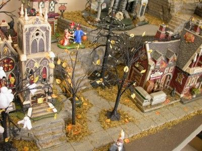 halloween neighborhood display platform dept 56 village - Halloween Display Ideas