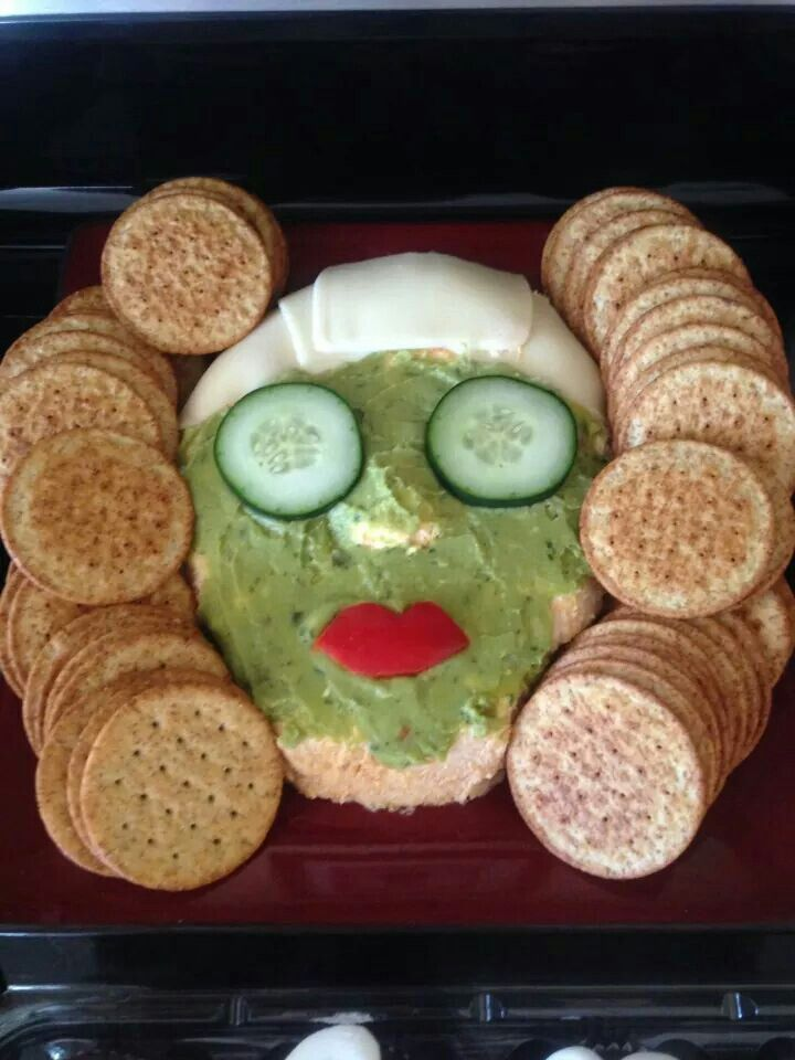 Crackers and dip for Perfectly Posh pampering party. http://perfectlyposh.com/poshapalooza