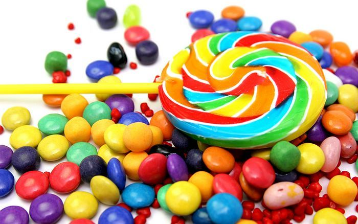 http://www.wallcoo.net/cartoon/colorful_objects_and_designs/images/colorful_candies.jpg
