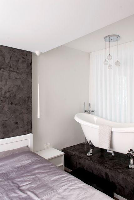 lexurious bathtub