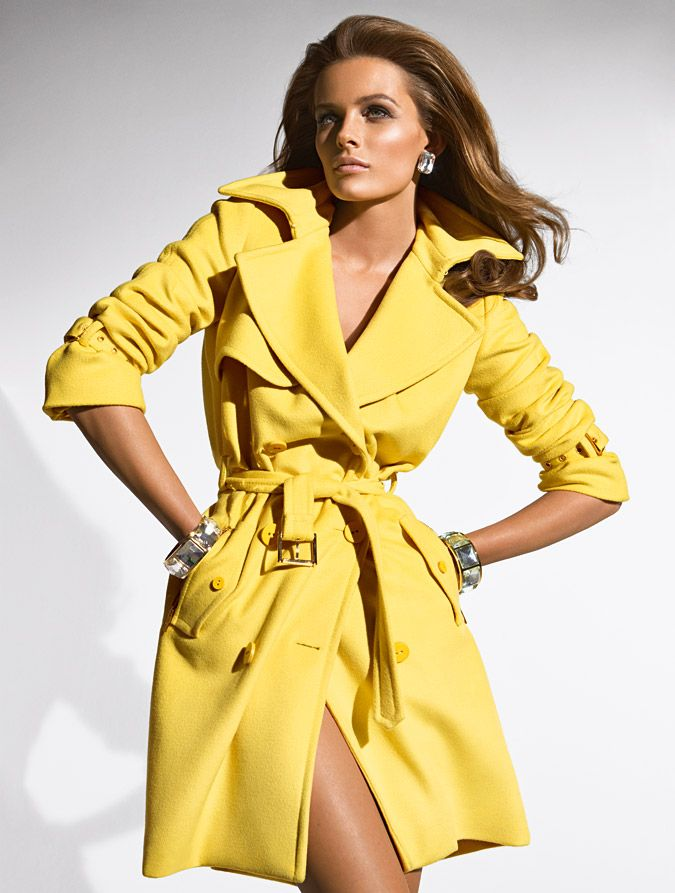 Campaign: Blumarine Season: Fall 2009 Photographer: Patrick Demarchelier  Model(s): Yellow Trench CoatTrench Coat OutfitYellow RaincoatClassic ... - 25+ Best Yellow Trench Coat Ideas On Pinterest Fendi Clutch
