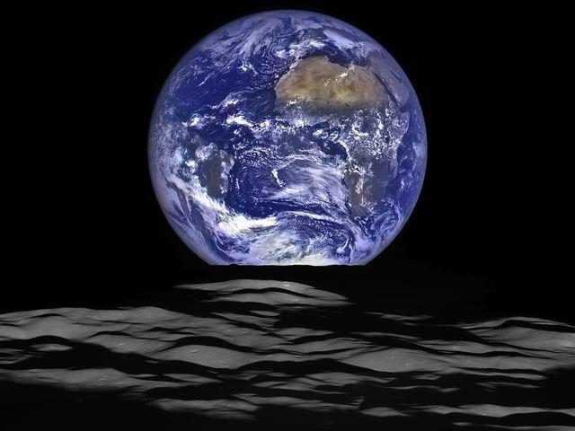 2015 earth rise image