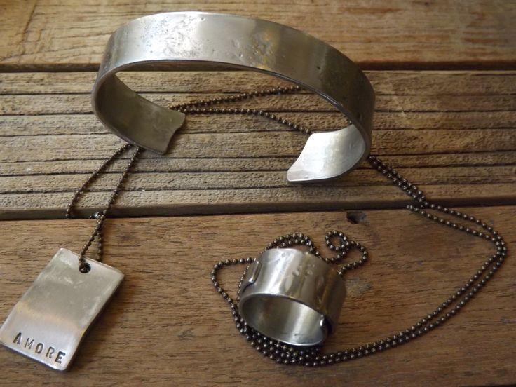 bracciali di diverse altezze e nuovo tipo di incisione con punzonatura...I tesori coloniali Reggio Emilia Italy #itesoricoloniali #iron #rings #pendants #reggioemilia #collane #anelli #ciondoli #piastrine #bracelets