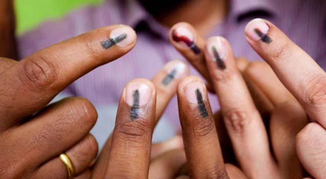 Lucknow: Voting in Alapur constituency of Ambedkar Nagar is currently underway. The voting was postponed after Samajwadi Party candidate Chandrashekhar Kanaujia died of heart attack. Voting was held on Wednesday in Uttar Pradesh for the final phase of Assembly elections, recording an over 60...