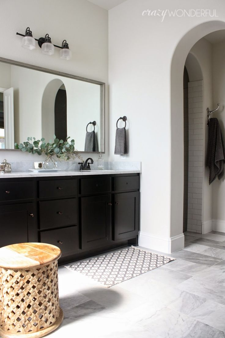 Black white bathroom featuring gray palomino 521 3 by ppg pittsburgh paints
