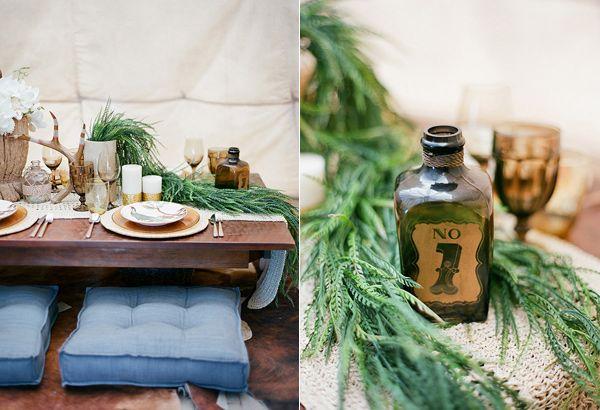 Antiche Decorazioni di nozze / / - photo by Clayton Austin - Sapere Di Più: http://ruffledblog.com/southwestern-desert-wedding-ideas