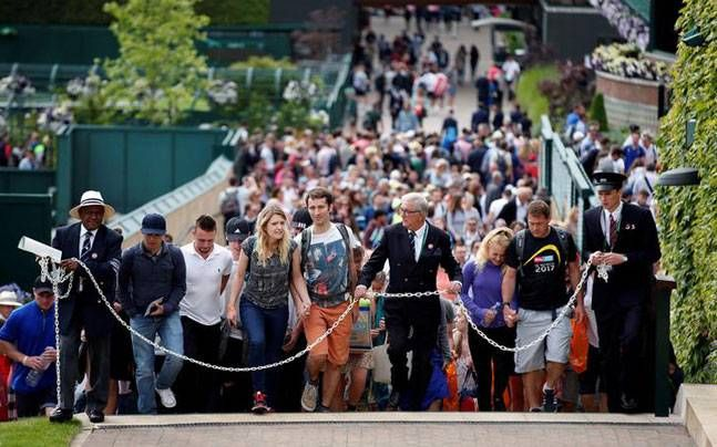 Excitement and crowds build as Wimbledon gets under way : Tennis, News http://indianews23.com/blog/excitement-and-crowds-build-as-wimbledon-gets-under-way-tennis-news/