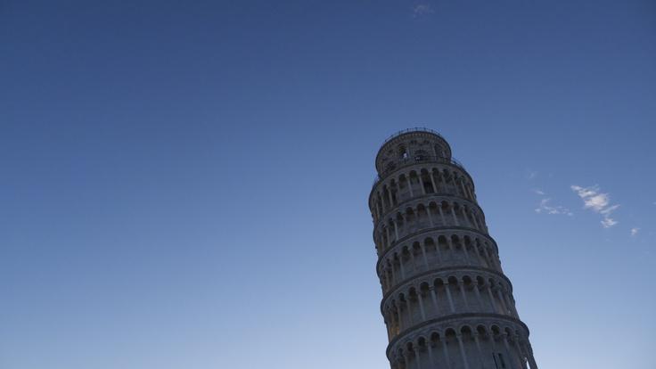 Nel Blu dipinto di Blu - The leaning tower of Pisa