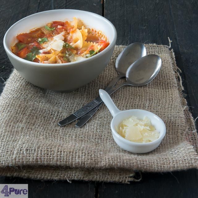 Filled minestrone soup with pasta - English recipe. This is a great soup for lunch, but because of it's filling (yeah the Italian sure know what they do) it's also great for dinner.